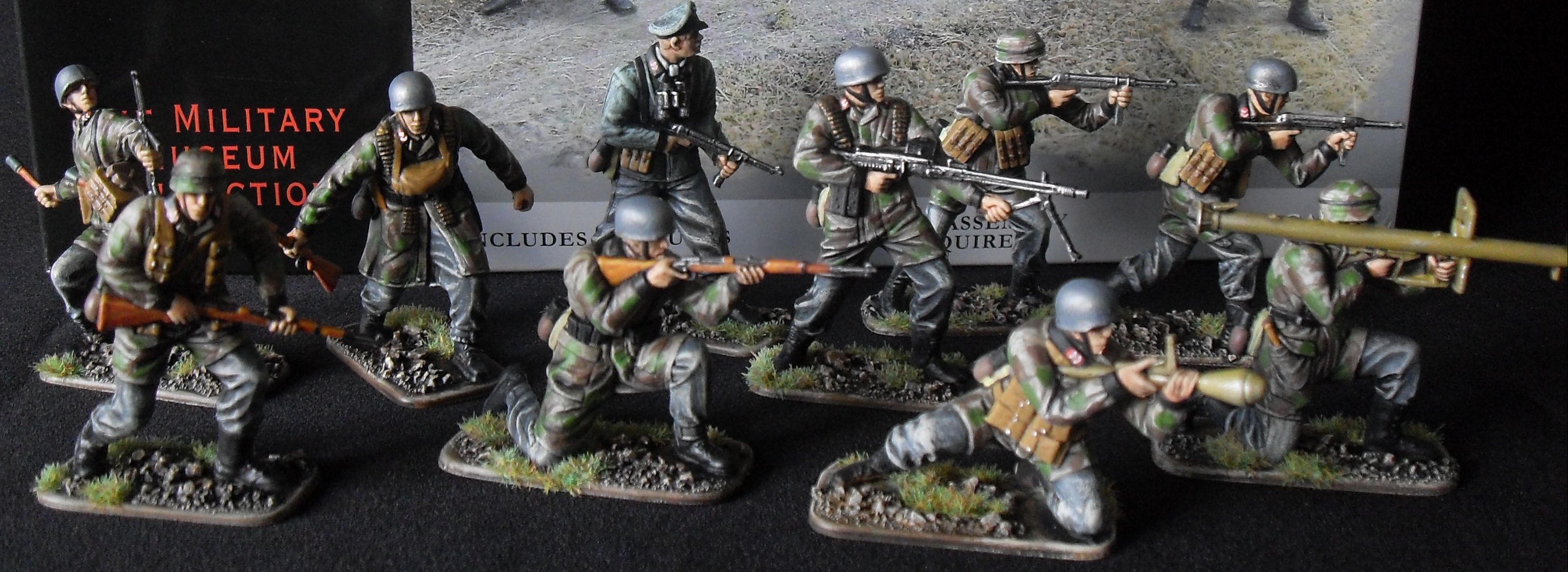 G Gunter Hand Painted 54mm Model Soldiers - 1/16 and 1/32 scale